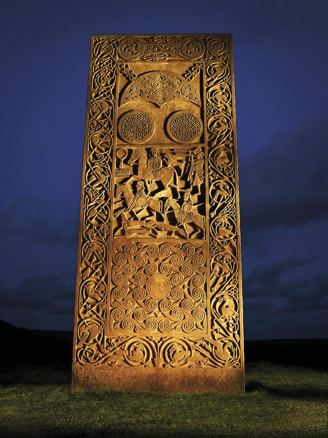 Glenmorangie Cadboll Stone Front LR © Moët Hennessy